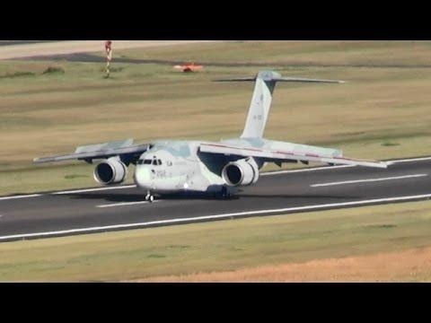 XC-2 ローアプローチ、着陸 航空自衛隊 岐阜基地 '13/10/28 XC-2 JASDF Gifu Air Base