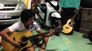 hoa trinh nu guitar