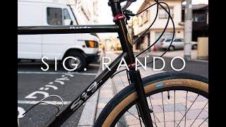 グランピーオリジナルのツーリングバイクをフラットバーで組みました。