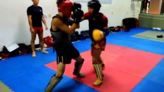 2014年7月11日范Sir格鬥學院散打泰拳班訓練-阿彩VS李光
