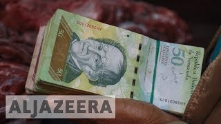 Thousands of Venezuelans forced to buy food and medicine in Colombia thumbnail