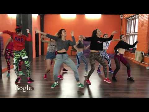 Dancehall Basic Moves Routine By Somique | Shaggy - Angel