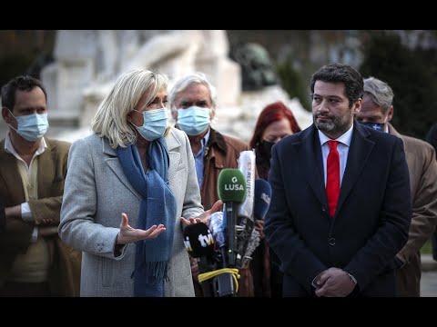 Ao lado de Marine Le Pen, André Ventura diz não ser de extre