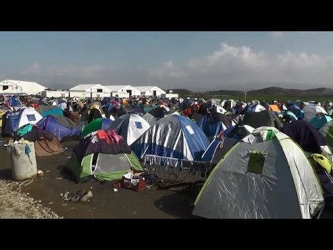 LIVE from Greek-Macedonian border as Idomeni refugee camp keeps growing