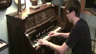 Wilcox & White pump reed organ  - Repairing a stuck key and demo