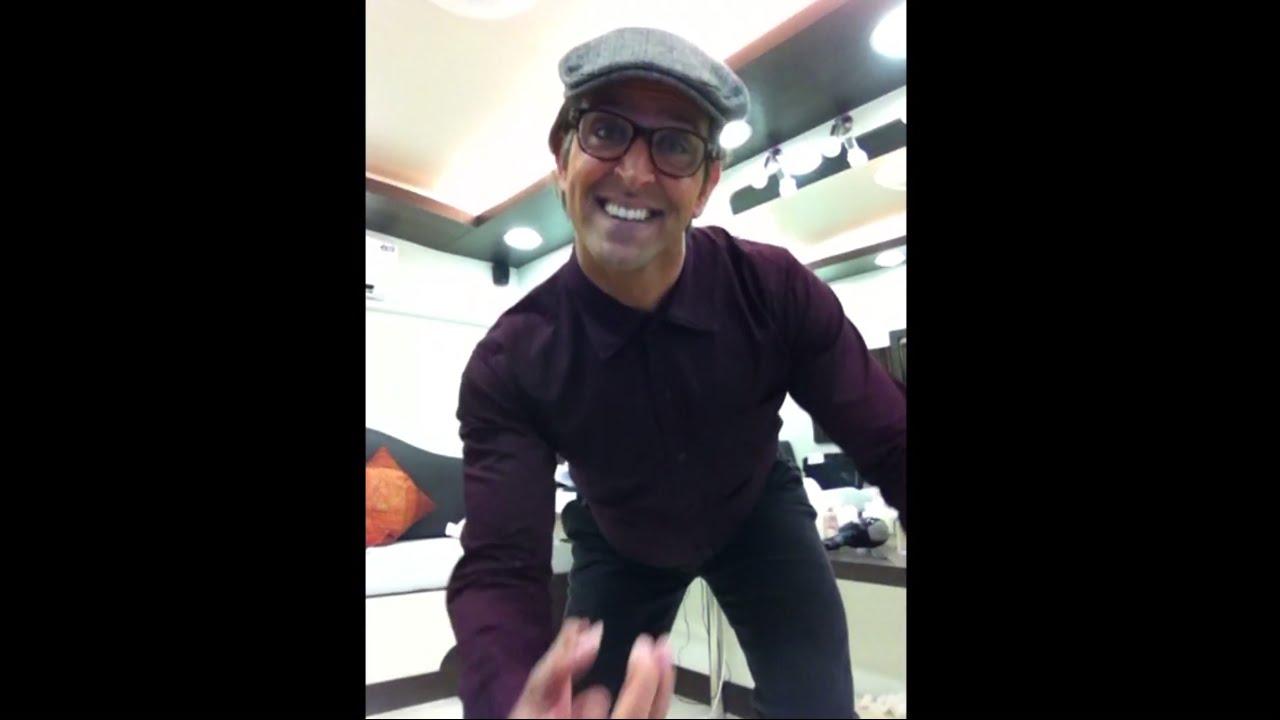 Rohit's Candid Moment - Dil Deke Dekho   Hrithik Roshan