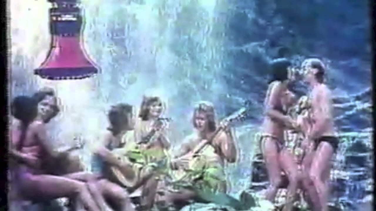 Comercial antigo - Duchas Jato Obediente Corona (1995) by ...