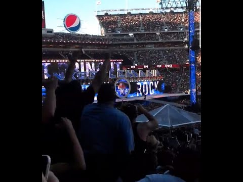 WWE The rock returns. Live crowd reaction from Wrestlemania 31.