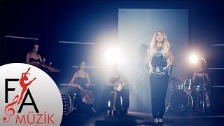 İstanbul Girls Orchestra - Lingo Lingo Şişeler (Official Video)