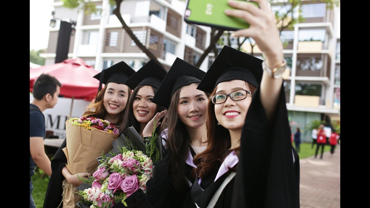 Highlights from Graduation Ceremony 2017 | RMIT Vietnam