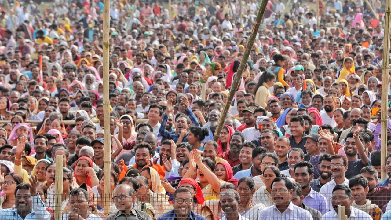 🔴Priyanka Holds Massive Public Rally in Tezpur, Assam