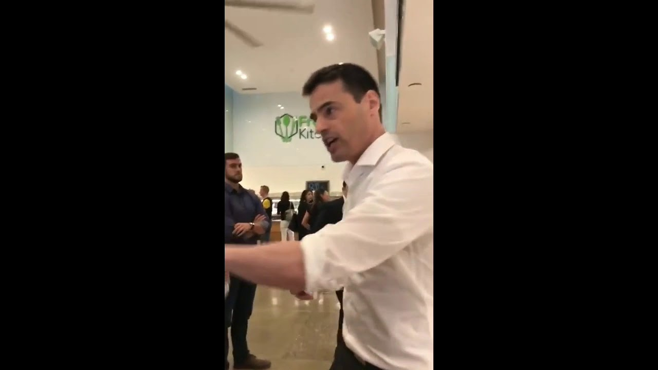 Jewish lawyer Aaron Schlossberg thinks you shouldn't be speaking spanish in America.