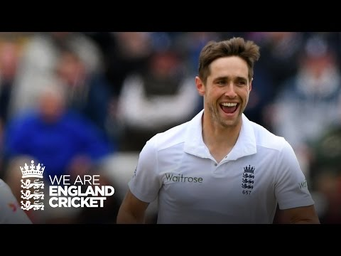 3 wickets in 13 balls from Chris Woakes!