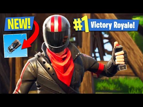 NEW UPDATE!! *REMOTE EXPLOSIVES C4 & SUPPLY LLAMA* (Fortnite Battle Royale)