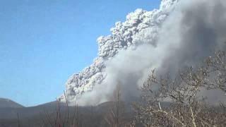 霧島連山の新燃岳が大噴火しました。現在も地鳴り(爆発音)?とともに...