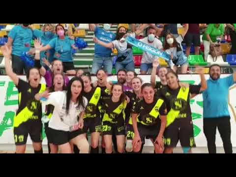 Las jugadoras del Ence Marín celebran el ascenso a Primera