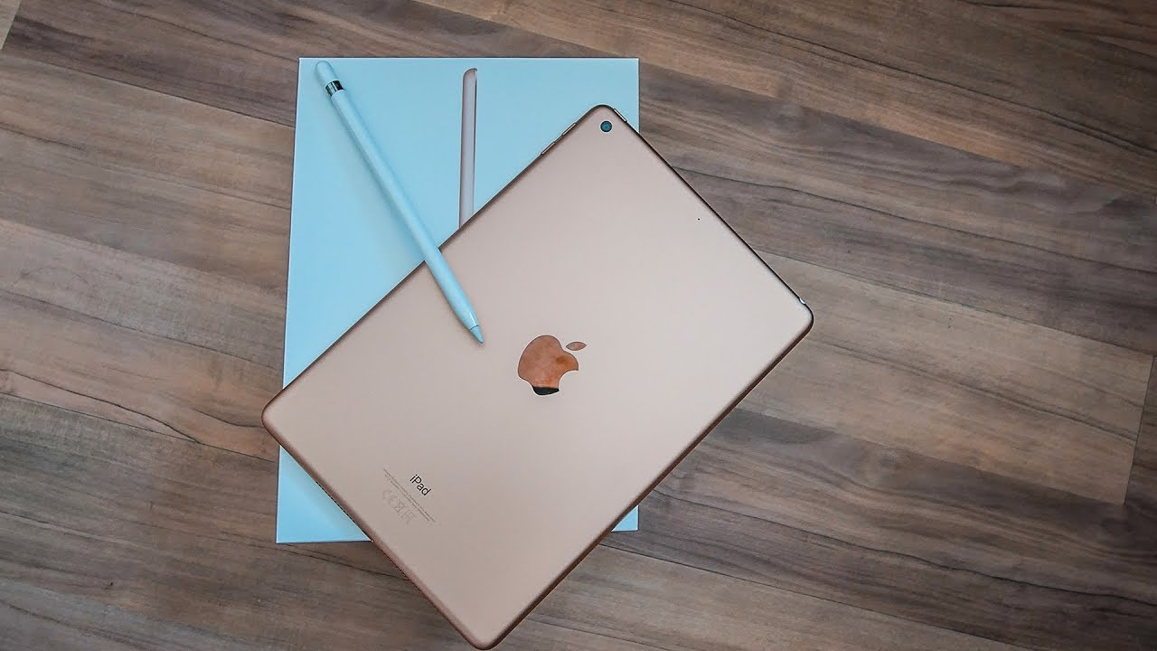meine freundin packt aus 2 das neue ipad 2018 6 generation im unboxing apple pencil youtube. Black Bedroom Furniture Sets. Home Design Ideas