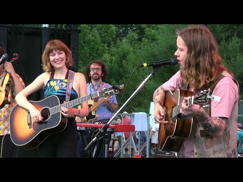 """Download Molly Tuttle and Billy Strings, """"Sittin On Top Of The World,"""" Grey Fox 2019"""