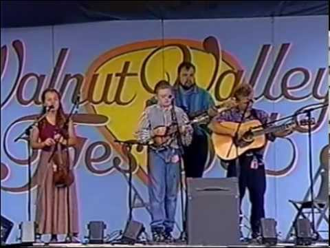 Nickel Creek in Andy May's Acoustic Kids - Walnut Valley Festival, 1995