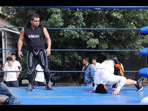El Video Blo presenta : Examen para luchador profesional.