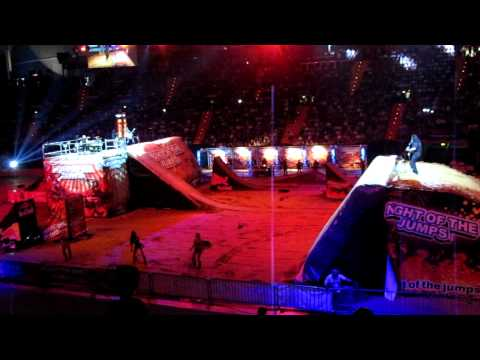 "nulldB - Night of the Jumps 2012 - Olympiahalle München - ""Endzeit"" - Show Opening"