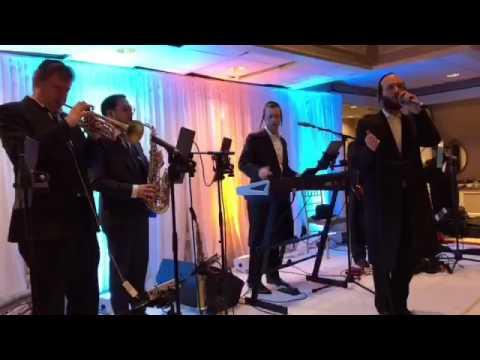 """Menachem Moskowitz rocking the hit """"Ein Gedilu"""" - Yossi Shtendig Production"""