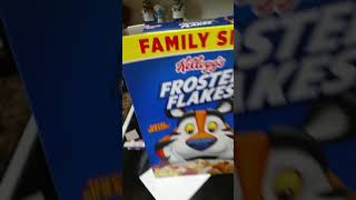 MAKE YOUR OWN ECLIPSE VIEWER with cereal box en 3 minutes easy !!! AND WORKS