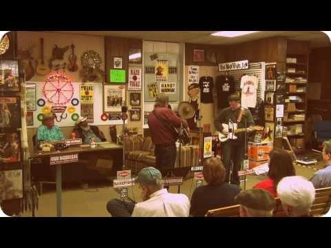 "Davis Raines w/ Milan Miller: ""Someone, Somewhere Tonight"" -- ""Viva! NashVegas® Radio Show"" 11/2/13"