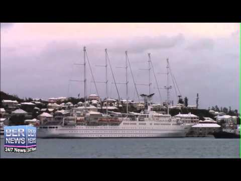Time Lapse Of Club Med II Sailing Cruise Ship Arrives In Bermuda, April 17 2015