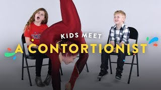 Baixar Kids Meet a Contortionist | Kids Meet | HiHo Kids
