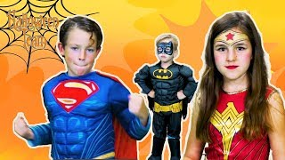 Justice League | Face Paint! | Fun Halloween Costumes | Halloween Team
