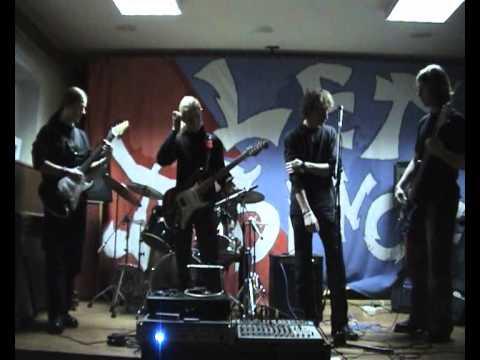 Apocalypse Orchestra Band Project & Coma @ Moksleiviu Rumai, Gargzdai 2005 02
