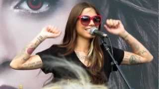 Baixar Christina Perri - A Thousand Years (Live from Tent City 2012)
