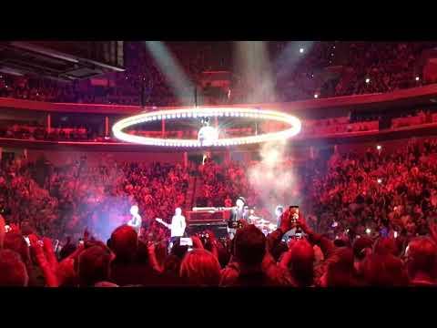 U2 - Desire - Tulsa, May 2, 2018 (www.atu2.com)