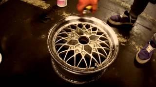 Как самому очистить колесные диски