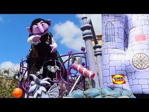 2019 SESAME STREET HALLOWEEN PARADE | SeaWorld Orlando Halloween Spooktacular!