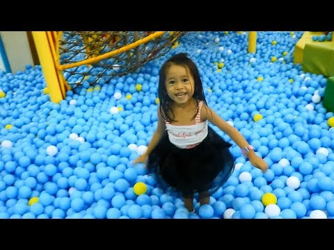 Kidzoona Indoor Playground Fun Part 1 - Donna The Explorer