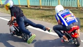 Drag Racing : POCKET Mini Moto BiKE Race on streets! (Rossi vs Marquez)