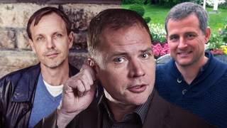 Björn Häger antecknar Fabian Fjällings svåra frågor åt Mathias Ståhle