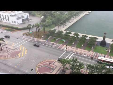 Lluvia de muebles sorprende a vecinos de Miami