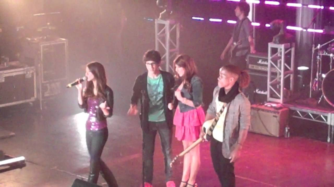 iParty With Victorious Concert