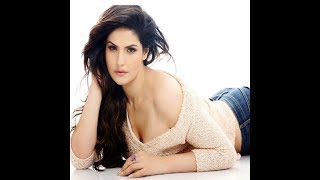 Zareen Khan hot romance in night suit