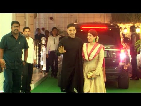 Akshay Kumar & Twinkle At Ekta Kapoor's Diwali Party 2017