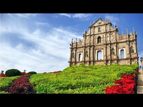Sight-seeing in Macau , China