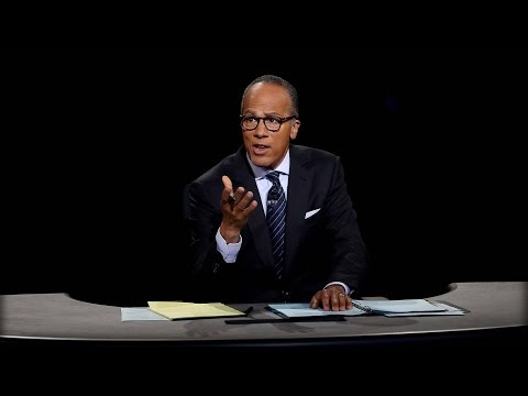 PRESIDENTIAL DEBATE: LESTER HOLT JUST GAVE HILLARY A FREE PASS IN FRONT OF 100 MILLION VIEWERS!