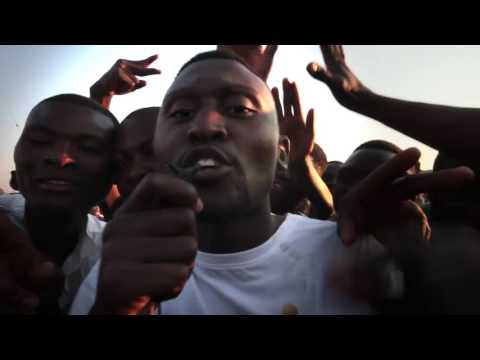 B-Flow performing at an Ishiwi roadshow in Zambia - BBC Media Action