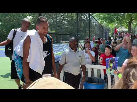 Andy Murray interrupts Nick Kyrgios' autograph session at the 2019 Citi Open