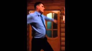 Трезвый на свадьбе как пьяный)))