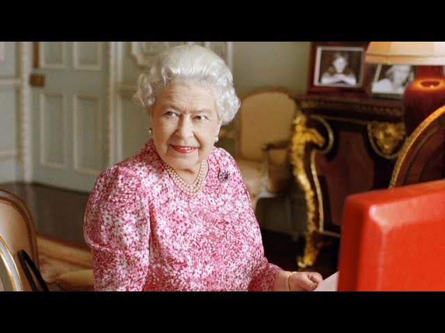 a-look-back-at-queen-elizabeth-ii-s-coronation-65-years-later