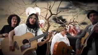 Смотреть клип Glenn Fredly Ft. Endah N Rhesa & Sandy Sondoro - Let'S Say Love